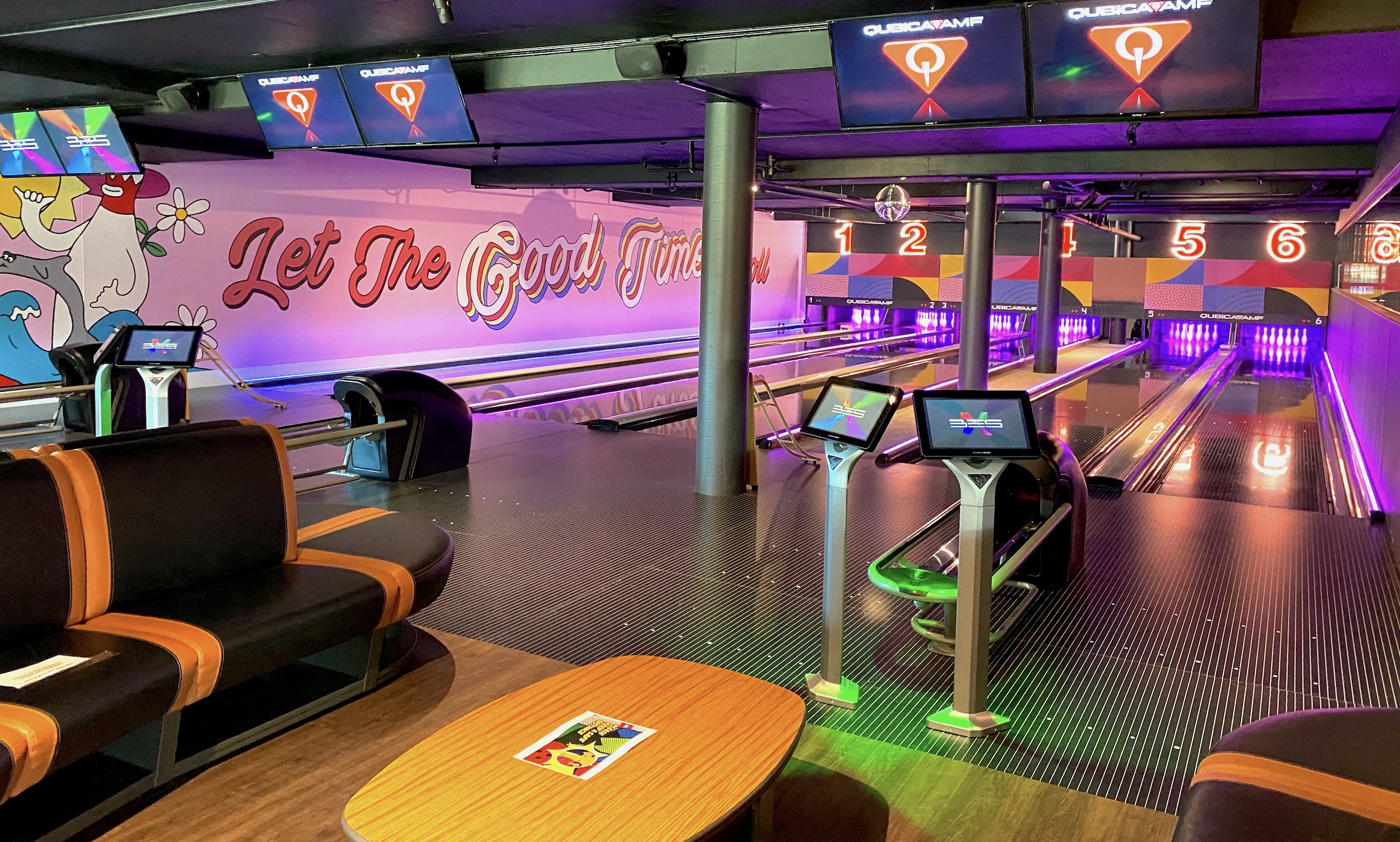 Social Alley Ten Pin Bowling, Sports Bar and Diner